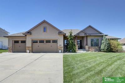 Papillion Single Family Home For Sale: 4706 Lake Forest Drive