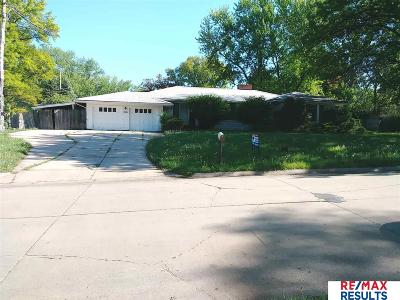 Single Family Home For Sale: 5216 Crown Point Avenue