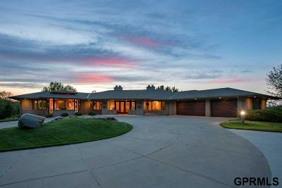 Council Bluffs Single Family Home For Sale: 100 Caribou Circle