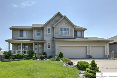 La Vista Single Family Home For Sale: 6825 Hillcrest Lane