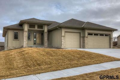 Single Family Home For Sale: 8914 N 171 Street