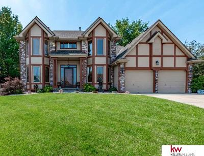 Papillion Single Family Home For Sale: 1005 Hickory Hill Road