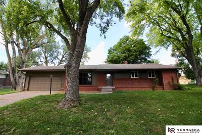 Single Family Home For Sale: 21604 Leavenworth