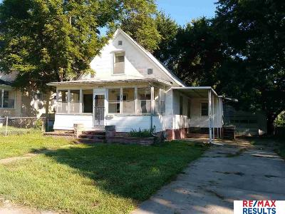 Single Family Home For Sale: 2872 Crown Point Avenue
