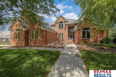 Single Family Home For Sale: 13712 Parker Circle