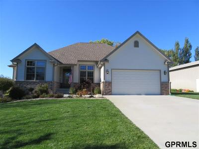 Missouri Valley Single Family Home For Sale: 2910 Eagle Wood Lane