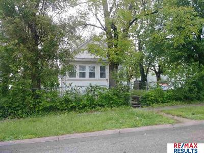 Single Family Home For Sale: 2416 P Street