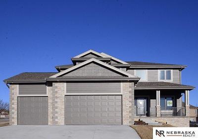 Papillion Single Family Home For Sale: 6836 Park Crest Drive