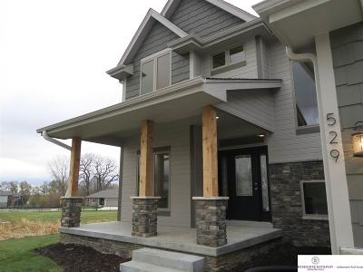 Gretna Single Family Home For Sale: 529 Devonshire Drive