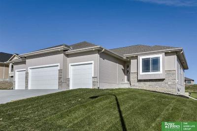 Gretna Single Family Home For Sale: 524 Devonshire Drive