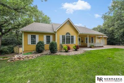 Louisville Single Family Home For Sale: 15109 Oak Ridge Drive