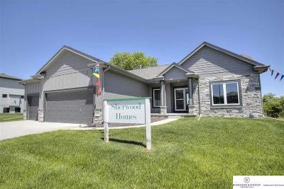Bennington Single Family Home For Sale: 16934 Potter Street
