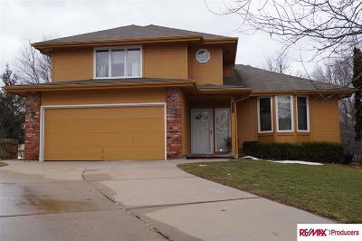 Papillion Single Family Home For Sale: 816 Hickory Hill Circle