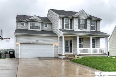 Papillion Single Family Home New: 2210 Walnut Creek Drive