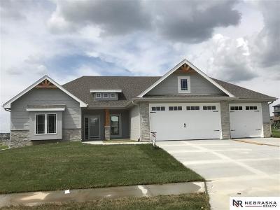 Papillion Single Family Home For Sale: 12410 Pheasant Run Lane