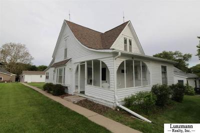 Johnson Single Family Home For Sale: 303 Chestnut Street
