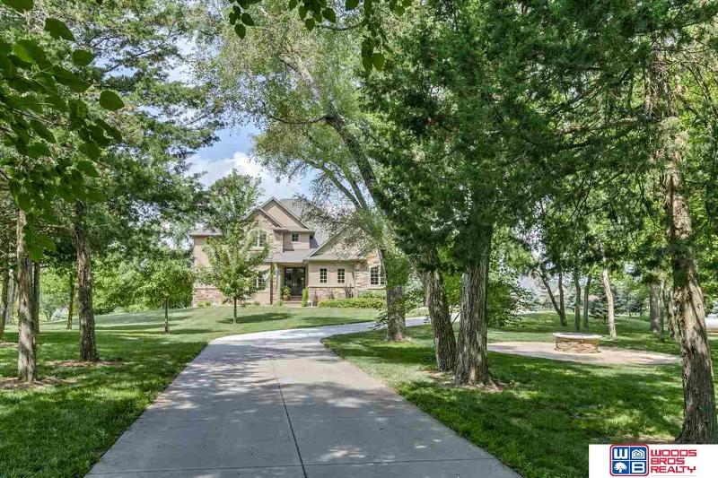 Excellent 8101 Sw 12 Street Lincoln Ne 68523 Listing 21914853 Home Interior And Landscaping Elinuenasavecom