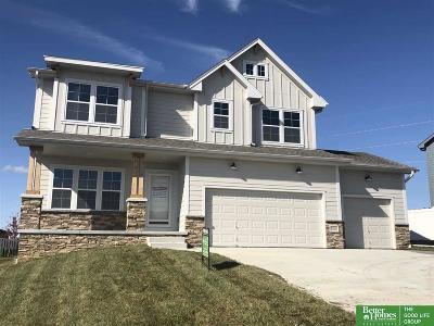 Single Family Home For Sale: 6008 N 154th Avenue