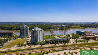 Omaha Single Family Home For Sale: 555 Riverfront Plaza #403