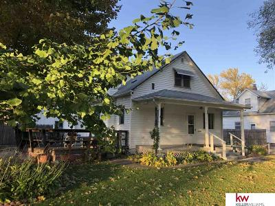 Single Family Home For Sale: 724 W 6th Street