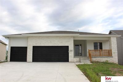 Papillion Single Family Home For Sale: 5157 Clearwater Drive