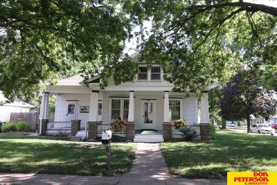Single Family Home For Sale: 903 E 1st