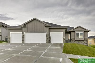 Gretna NE Single Family Home New: $379,900