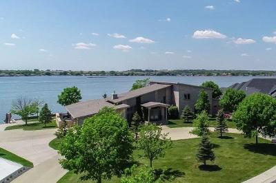Lincoln Single Family Home For Sale: 636 Waterfront Place