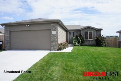Lincoln Single Family Home For Sale: 1611 SW Derek Avenue