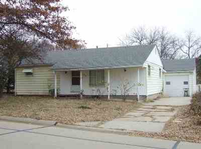 Single Family Home For Sale: 976 Central Avenue
