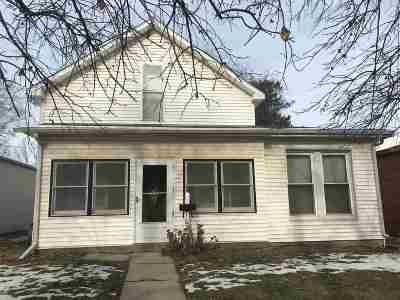 Single Family Home For Sale: 103 W Mill