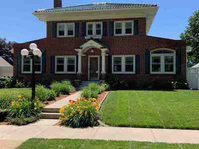Nebraska City NE Single Family Home Active - Pending/Contingency: $279,900