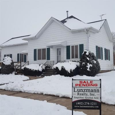 Single Family Home Pending/Contingency: 211 Walnut Street