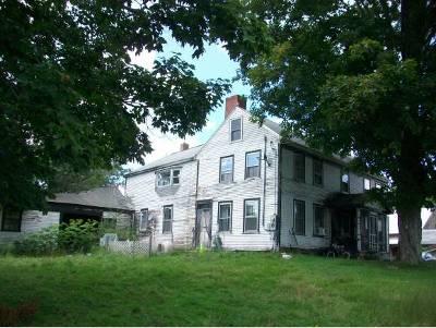 Hillsborough Single Family Home For Sale: 122 Old Henniker Road