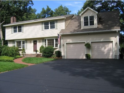 Nashua NH Single Family Home For Sale: $388,900