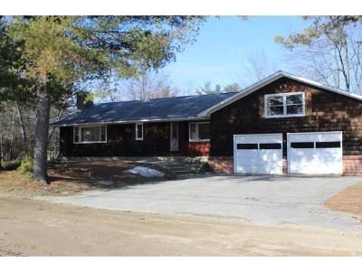 Belknap County, Carroll County, Cheshire County, Coos County, Grafton County, Hillsborough County, Merrimack County, Rockingham County, Strafford County, Sullivan County Single Family Home For Sale: 181 Goose's Way