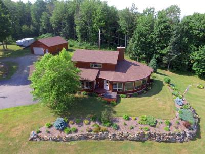 Orleans County Single Family Home For Sale: 170 Geoffrey Road