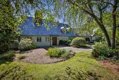 Amherst Single Family Home For Sale: 18 Chestnut Hill Road