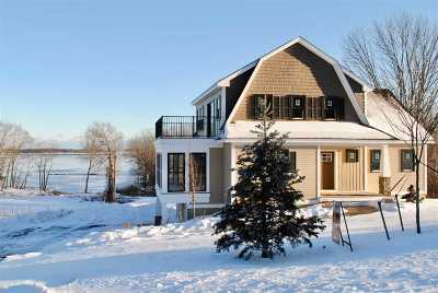 Newmarket Single Family Home For Sale: 12 Lookout Place