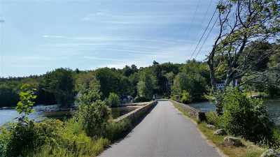 Belknap County, Carroll County, Cheshire County, Coos County, Grafton County, Hillsborough County, Merrimack County, Rockingham County, Strafford County, Sullivan County Single Family Home For Sale: 90 Bennett Bridge Road