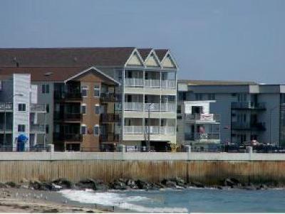 Hampton Condo/Townhouse For Sale: #305 429 Ocean Boulevard #305