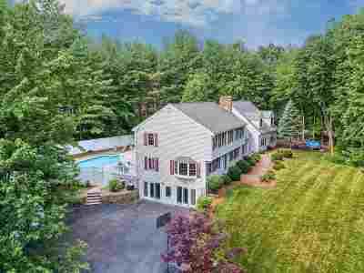 Salem Single Family Home For Sale: 5 Golden Oaks Drive
