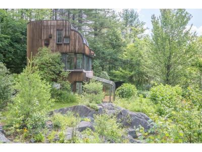 Sharon Single Family Home For Sale: 1699 Vt Rte 132 Route