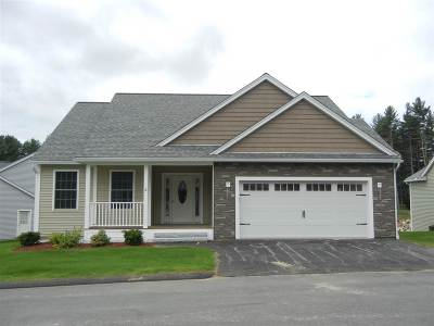 Amherst Single Family Home For Sale: 5 Clubhouse Way #4