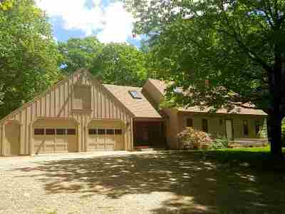 Weare Single Family Home For Sale: 204 Dustin Tavern Road