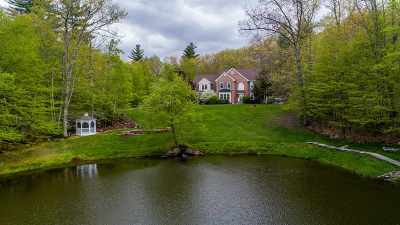 Bedford Single Family Home For Sale: 10 Maiden Ln