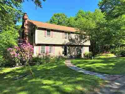 Durham Single Family Home For Sale: 33 Pinecrest Lane