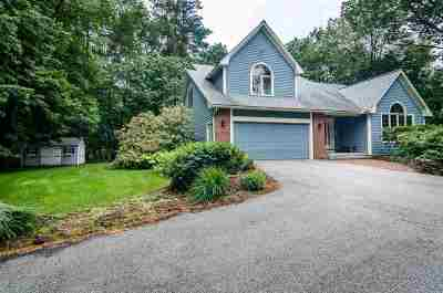 Concord Single Family Home For Sale: 24 Oakmont Drive