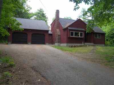 Epsom Single Family Home For Sale: 85 Carriage Hill Road