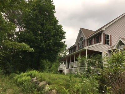 Belknap County, Carroll County, Cheshire County, Coos County, Grafton County, Hillsborough County, Merrimack County, Rockingham County, Strafford County, Sullivan County Single Family Home For Sale: 3 Hot Hole Pond Road